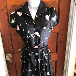 Hearts & Roses Pin Up Beauty Shop Dress
